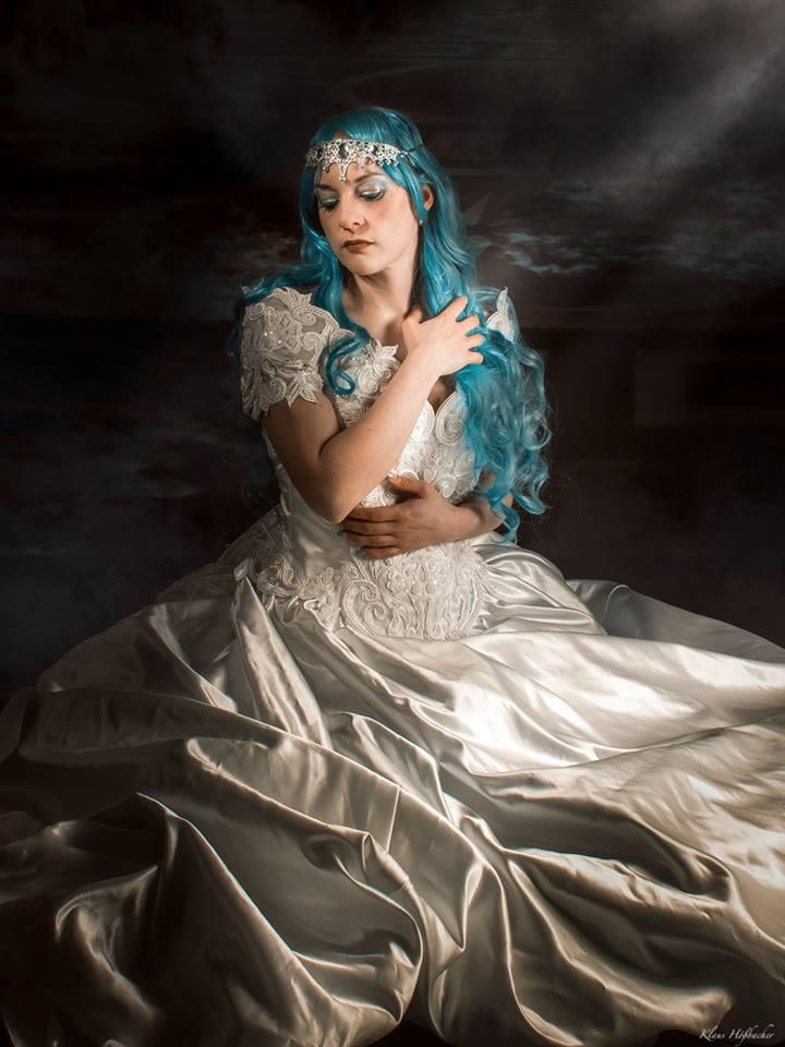 Das warten der Eiskönigin ; Eine etwas ältere Bildserie mit Tyra van Thule. Die Bilder wurden noch einmal neu bearbeitet und ins rechte Licht gesetzt.